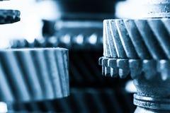 Шестерни, cogwheels grunge, реальный конец-вверх элементов двигателя Тяжелая индустрия Стоковое фото RF