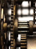 Шестерня в механизме старых часов Стоковое Фото