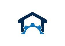 Шестерня и домашняя концепция логотипа стоковая фотография