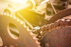 Шестерня и цепь в старой машине Стоковое Изображение