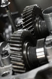 Шестерня машины в коробке передач, передаче сила от двигателя к колесу, оборудованию кораблей, работе машины машины ремонта Стоковое Фото