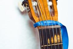 Шея гитары к стене Стоковые Изображения RF