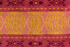 Шелк розовой и красной картины нашивки тайский Стоковые Фото