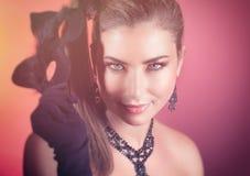 Шикарная женщина с маской кота Стоковые Изображения RF