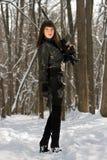 Шикарная молодая дама с винтовкой Стоковое фото RF