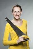 Шикарная независимая девушка себя расстроенная на DIY и доме отладки Стоковое фото RF