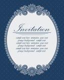 Шикарная овальная рамка на голубой предпосылке Стоковая Фотография