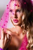 шикарная розовая женщина вуали Стоковое Изображение