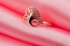 шикарное кольцо ювелирных изделий драгоценности Стоковое фото RF