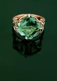 шикарное кольцо ювелирных изделий стоковая фотография rf