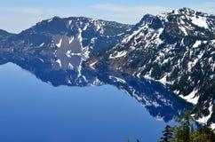Шикарное озеро на весенний день, Орегон кратер Стоковые Изображения RF