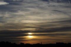Шикарное cloudscape слоев захода солнца стоковое изображение rf