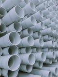 Шикарный абстрактный взгляд крупного плана сизоватого серого промышленного пластичного сообщения пускает по трубам, трубки стоковые изображения rf