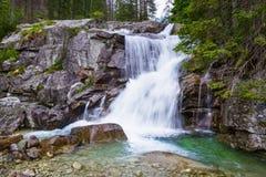 Шикарный водопад горы Стоковая Фотография