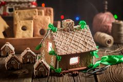 Шикарный коттедж пряника рождества в уникально месте Стоковая Фотография RF