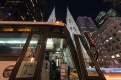 Шина собором St. Patrick в Нью-Йорке Стоковое фото RF