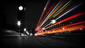 Шины на мосте Вестминстера Стоковое фото RF
