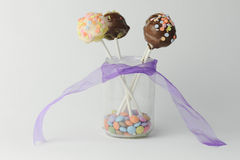 Шипучки пинка и шоколадного торта Стоковые Фото