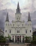 Широкая съемка собора Сент-Луис в Новом Орлеане Стоковые Фото