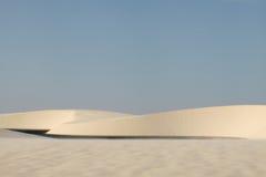 Широкие дюны и лагуны в Lencois Maranhenses Бразилия Стоковая Фотография
