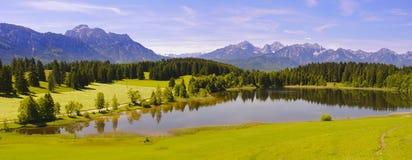 Широкий ландшафт панорамы в Баварии Стоковая Фотография
