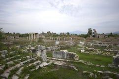 Широкий взгляд виска Apollon в древнем городе Miletus, Турции стоковые фотографии rf