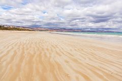 Широкий пляж в Австралии стоковое фото rf