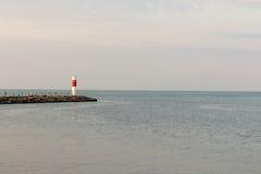 Широкоформатный красный и белый маяк Стоковые Изображения RF