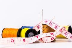 Шить вышивки шить иглы свернул в коричневый цвет Стоковая Фотография