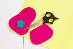 Шить установленный для бумажника войлока - как сделать бумажник handmade Стоковые Изображения RF