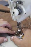 Шить частей портняжничанной куртки Стоковые Фото