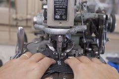 Шить частей портняжничанной куртки Стоковое фото RF