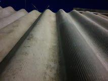 Шифер Рифленый конец шифера вверх Материал для крыши стоковая фотография