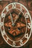 Шкала старых деревянных часов стоковые изображения rf