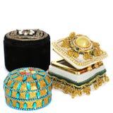 Шкатулки для драгоценностей на белой предпосылке стоковое изображение