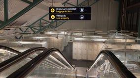 Шкафчики багажа и потерянное свойство на железнодорожном вокзале Стоковое фото RF
