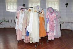 Шкафы винтажных исторических платьев Стоковые Изображения RF