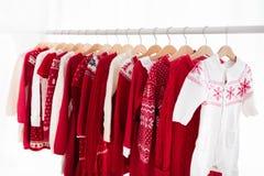Шкаф одежд с красной ноской knit рождества Стоковая Фотография RF