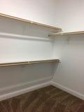 Шкаф для одежды в новом современном доме Стоковое Изображение RF