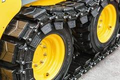 Шкентель с резиновыми следами трактора на выставке Стоковая Фотография RF