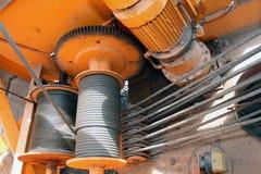 Шкивы и кабели крана стоковое изображение rf