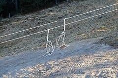 Шкивы подвесного подъемника механически в лыжном курорте стоковое фото