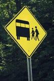 школа шины восхождения на борт Стоковые Фото