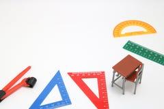 Школьные принадлежности используемые в математике классифицируют, геометрия или наука Инструмент геометрии математики для студент Стоковое Изображение RF