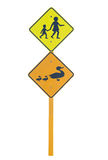 Школа и утки предупреждая знаки уличного движения Стоковое Фото