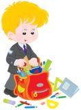 Школьник состязаясь его schoolbag Стоковое Фото