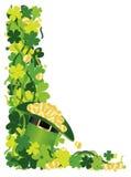 Шлем клевера 4 листьев иллюстрации граници золота Стоковое Изображение