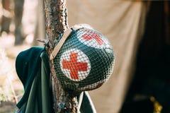 Шлем металла солдата сотрудник военно-медицинской службы пехоты армии Соединенных Штатов на Второй Мировой Войне Стоковые Изображения