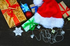 шлем santa подарков рождества Стоковые Изображения RF