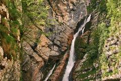 Шлепок Savica водопада в национальном парке Triglav около озера Bohinj, Словении Стоковые Фото